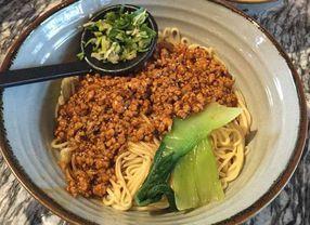 7 Tempat Makan di MaxxBox Lippo Village Paling Recommended