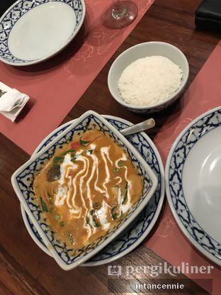 Foto 1 - Makanan di Jittlada Restaurant oleh bataLKurus