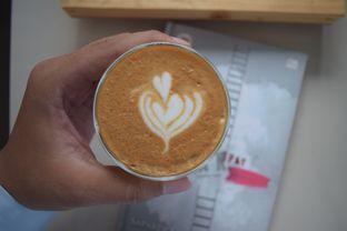 Foto 5 - Makanan(Piccolo Latte) di Logika Coffee oleh Andreas ( IG : ommakanom )