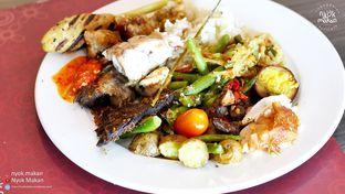 Foto 1 - Makanan di Canting Restaurant - Teraskita Hotel managed by Dafam oleh Nyok Makan