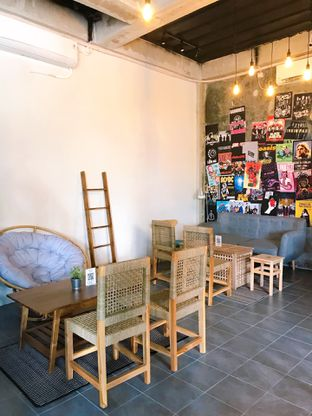 Foto 12 - Interior di Monty's Kitchen & Coffee oleh yudistira ishak abrar