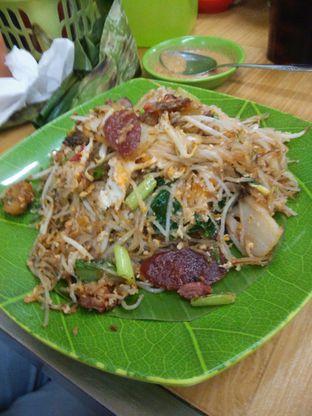 Foto 3 - Makanan(isi lengkap) di Kwetiau Akang oleh Threesiana Dheriyani