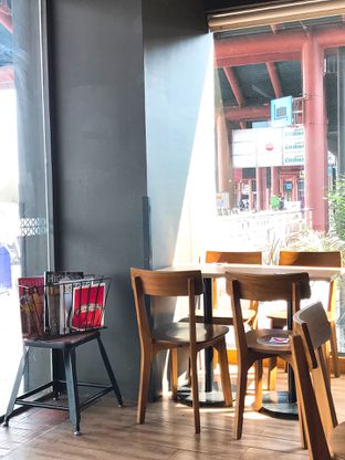 Foto 14 - Interior di Maxx Coffee oleh yudistira ishak abrar