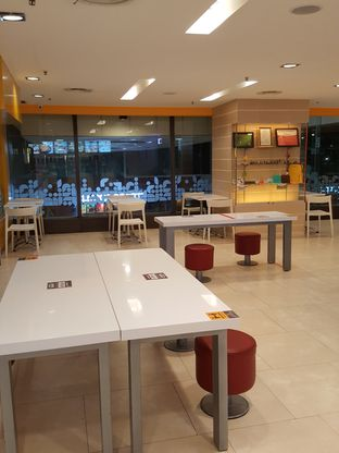 Foto 6 - Interior di HokBen (Hoka Hoka Bento) oleh Stallone Tjia (@Stallonation)