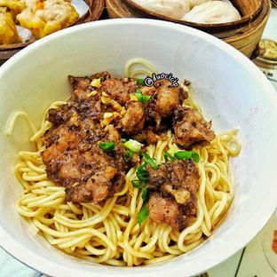 Foto 1 - Makanan(Mie Paikut) di Wing Heng oleh felita [@duocicip]