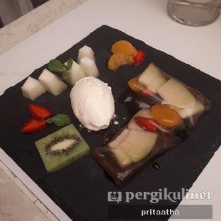 Foto 6 - Makanan(tropical roll) di Molecula oleh Prita Hayuning Dias