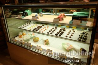 Foto 3 - Interior di Mandarin Oriental Cake Shop - Mandarin Oriental Hotel oleh Ladyonaf @placetogoandeat