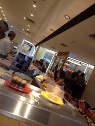 Foto 2 - Interior(resto yang selalu ramai) di Sushi Tei oleh Threesiana Dheriyani