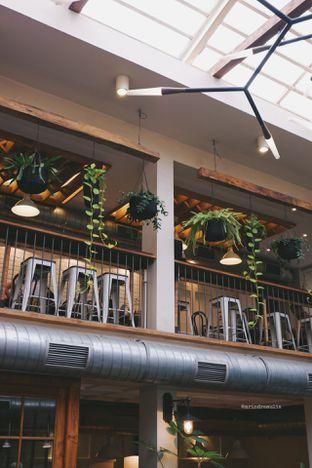 Foto 6 - Interior di Lucky Cat Coffee & Kitchen oleh Indra Mulia