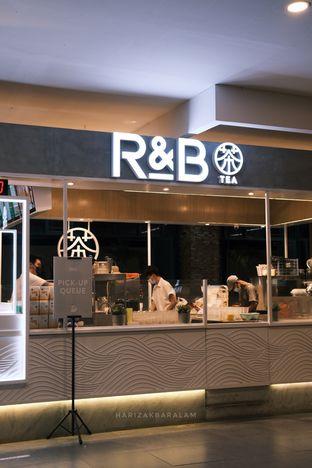 Foto 9 - Interior di R&B Tea oleh harizakbaralam