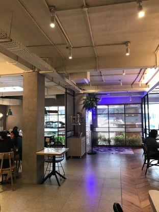 Foto 8 - Interior di Phos Coffee & Eatery oleh Stefanus Hendra