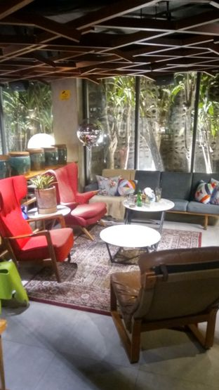 Foto 6 - Interior di Waha Kitchen - Kosenda Hotel oleh Renodaneswara @caesarinodswr
