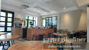 Foto 4 - Interior di Crematology Coffee Roasters oleh Jakartarandomeats