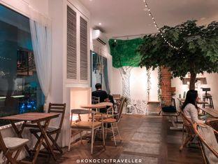 Foto 2 - Interior di Sudoet Tjerita Coffee House oleh kokocici traveller