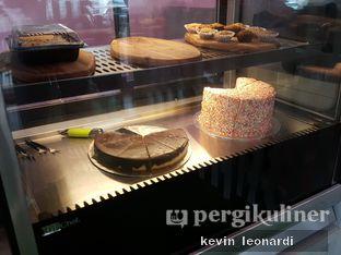 Foto 2 - Interior di Paws & Tails Dog Cafe oleh Kevin Leonardi @makancengli