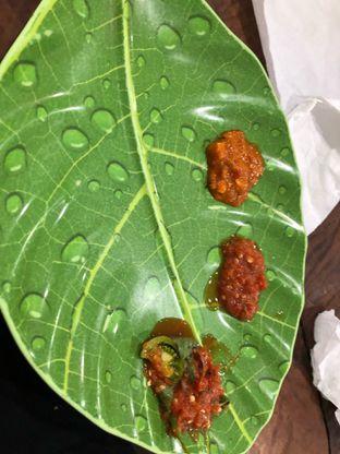 Foto 5 - Makanan(Sambal Macam2) di Sandjaja & Seafood oleh Budi Lee