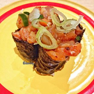 Foto 22 - Makanan(Onion Salmon) di Kappa Sushi oleh duocicip
