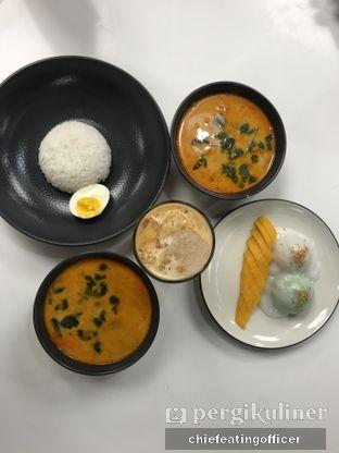 Foto 1 - Makanan(Tom Yam Kung Milk) di Ton Thip oleh Cubi