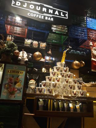 Foto 6 - Interior di The People's Cafe oleh Mouthgasm.jkt