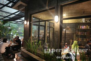 Foto 8 - Interior di Maraca Books and Coffee oleh Desy Apriya
