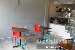 Foto 7 - Interior di Meanwhile Coffee oleh Sillyoldbear.id
