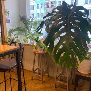 Foto 15 - Interior di Emmetropia Coffee oleh Levina JV (IG : @levina_eat & @levinajv)