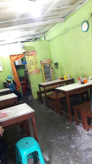 Foto 5 - Interior di Batagor & Mie Baso H. Isan oleh Eat Drink Enjoy