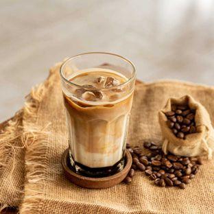 Foto - Makanan(BRUINS Iced Coffee) di Bruins Coffee oleh Peyeknyai
