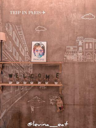Foto 3 - Interior di Red Blanc Coffee & Bakery oleh Levina JV (IG : @levina_eat & @levinajv)