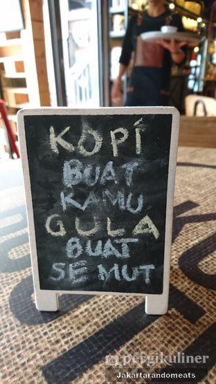 Foto 10 - Interior di Kopi Boutique oleh Jakartarandomeats
