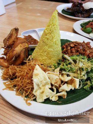 Foto 4 - Makanan di Bale Lombok oleh UrsAndNic