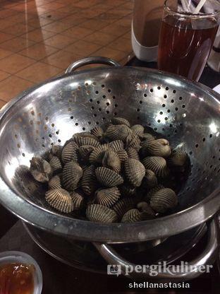 Foto 1 - Makanan(Kerang Dara Rebus) di Kerang Kiloan Pak Rudi oleh Shella Anastasia