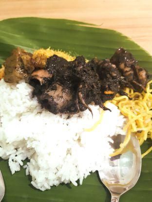 Foto - Makanan(Nasi Cumi) di Warung Sego Maduro Suramadu oleh Yusak Octa Soesanto