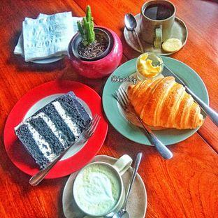 Foto 42 - Makanan di Convivium oleh duocicip