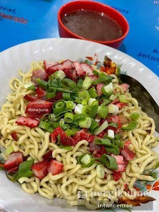 Foto 3 - Makanan di Bakmi Medan Kebon Jahe oleh bataLKurus