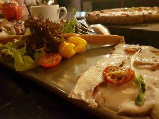 Foto 1 - Makanan di Ocha & Bella - Hotel Morrissey oleh lala tan