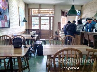 Foto 6 - Interior di Kong Djie Coffee Belitung oleh Desy Mustika