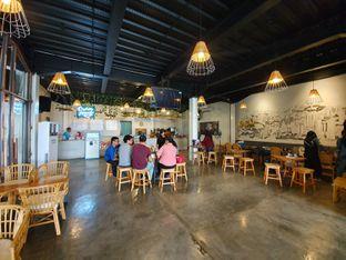Foto 4 - Interior di Portal Coffee & Eatery oleh Adhy Musaad