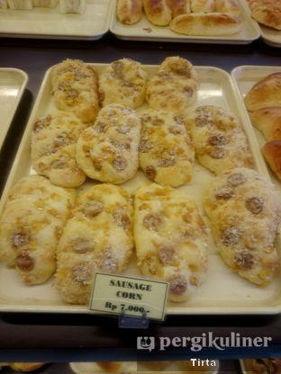 Foto 32 - Makanan di Clover Bakery oleh Tirta Lie