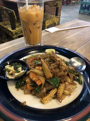 Foto - Makanan(Pad Siew) di Thai Alley oleh feedthecat