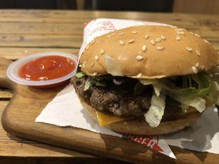 Foto 7 - Makanan di FATBURGER oleh FebTasty  (Feb & Mora)