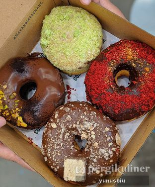 Foto review Gordon Donuts & Coffee oleh Yunus Biu | @makanbiarsenang 1