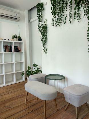 Foto 6 - Interior di Emji Coffee Bar & Space oleh Ika Nurhayati