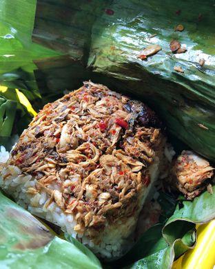 Foto 1 - Makanan(Paket nasi bakar ikan) di Nasi Bakar Roa oleh Claudia @grownnotborn.id