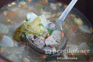 Foto 23 - Makanan di Lobby Lounge - Swiss Belhotel Serpong oleh bataLKurus