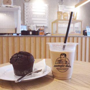 Foto 1 - Makanan(Es Kopi Susu Bawa Pulang , Muffin) di Mampir Dulu Kedai Kopi oleh Dianty Hevy