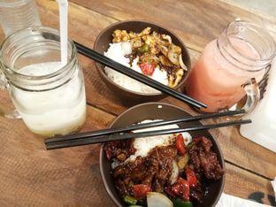 Foto 1 - Makanan di OTW Food Street oleh Novia Maulidya