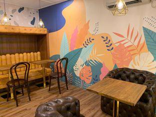 Foto 8 - Interior di Wake Cup Coffee oleh shasha