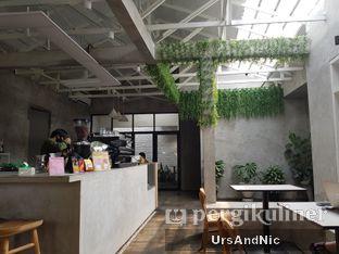 Foto 5 - Interior di Kinari Coffee Shop oleh UrsAndNic