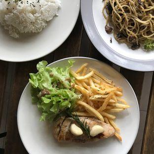 Foto 7 - Makanan di Hiveworks Co-Work & Cafe oleh Della Ayu
